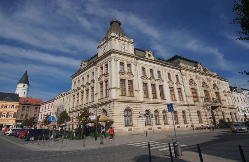 b7dca587272 V pátek 22. srpna od 19 hodin pořádá Městský dům v Přerově na své  předzahrádce další z oblíbených grilpárty. Příjemné posezení zpestří  hudebním programem ...